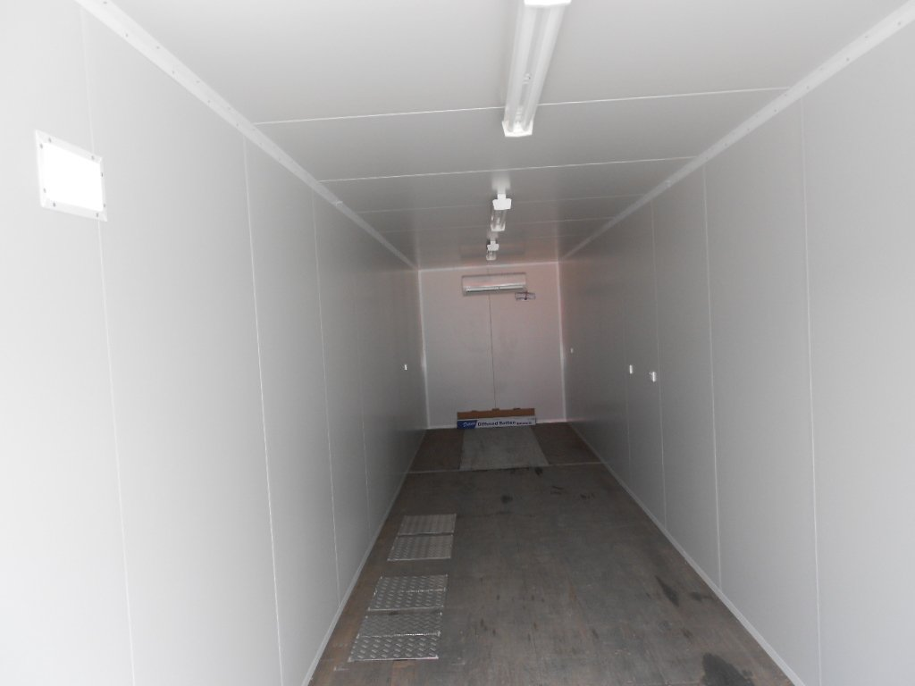 spacious 40ft insulated interior
